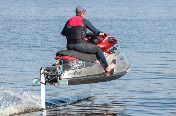 WaveFlyer: een elektrische draagvleugel-jetski