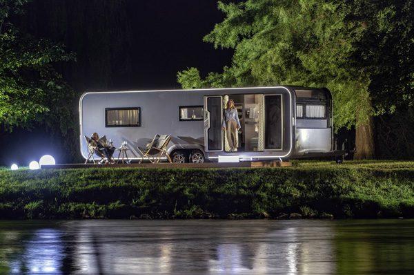 Adria Astella: een zeer chique caravan met panoramadeur