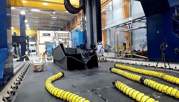 De grootste 3D-printer ter wereld heeft een volledige boot geprint