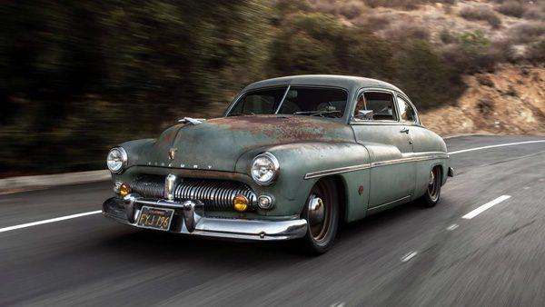 Amerikaan geeft Mercury uit 1949 het hart van een Tesla
