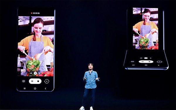 Nieuwe smartphone van Samsung vouwt mogelijk verticaal op
