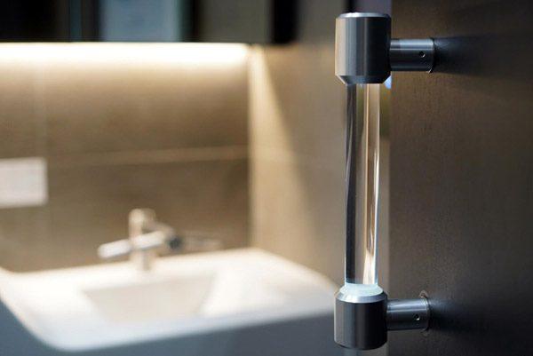 Innovatieve deurklink doodt automatisch bacteriën