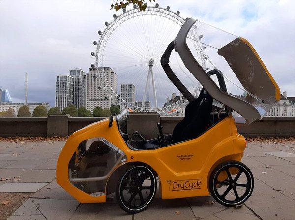 DryCycle: een elektrische fiets met een dak