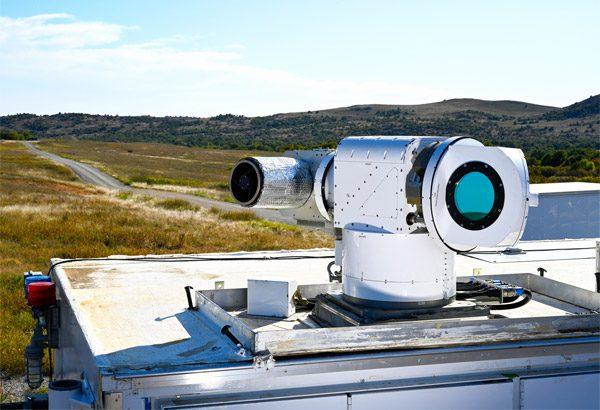 Dit laserwapen schiet meerdere drones tegelijk uit de lucht