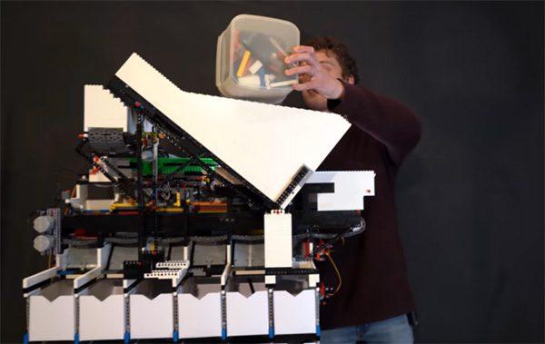 Nooit meer LEGO opruimen dankzij deze universele sorteermachine