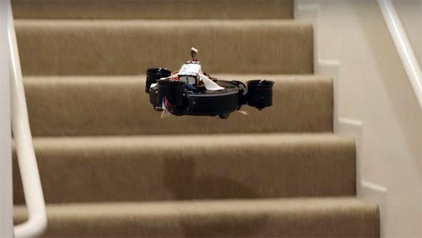 Deze robotstofzuiger kan de trap op vliegen