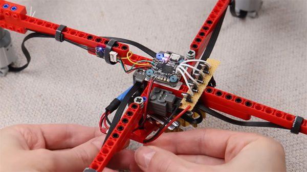 Lego-experts hebben een werkende drone van Lego gebouwd