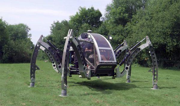's Werelds grootste hexapod waarin je kunt rijden