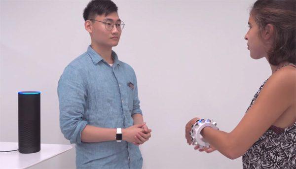 Inventieve armband beschermt je privacy met ultrasoon geluid