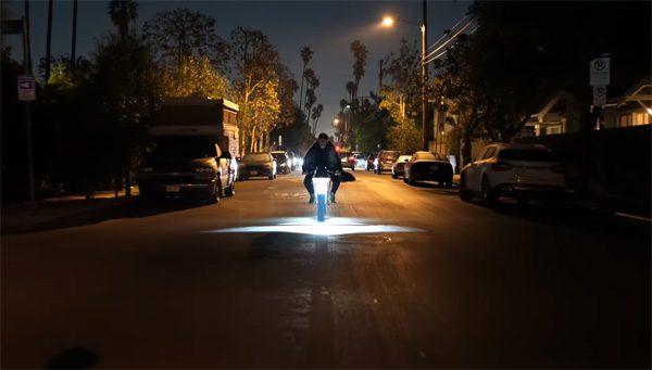 Cyberbike: een elektrische motorfiets geïnspireerd op de Cybertruck