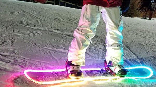 Laat je snowboard licht geven met de LED Snowboard Kit