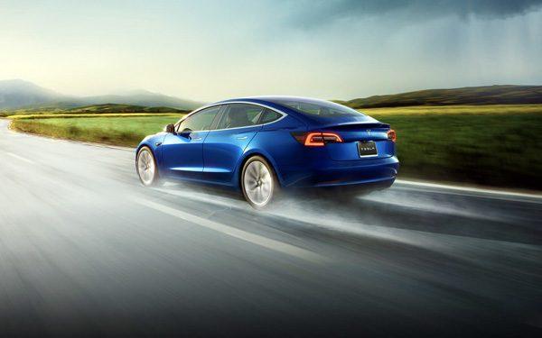 Wat een Tesla ziet als hij op de Autopilot-stand staat