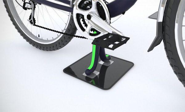 Speciale stoeptegel laadt e-bikes op via inductietechnologie