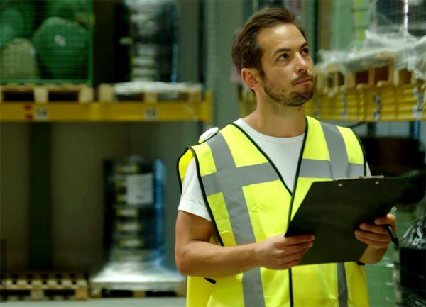 WATpod: slim apparaatje zorgt ervoor dat medewerkers afstand houden