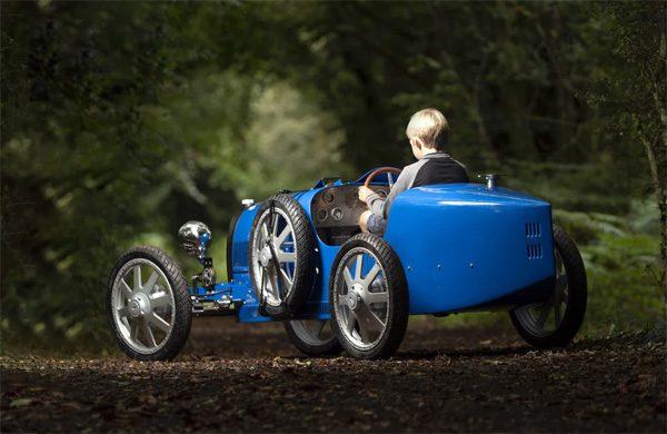 Bugatti Baby II: een peperdure elektrische auto voor kinderen