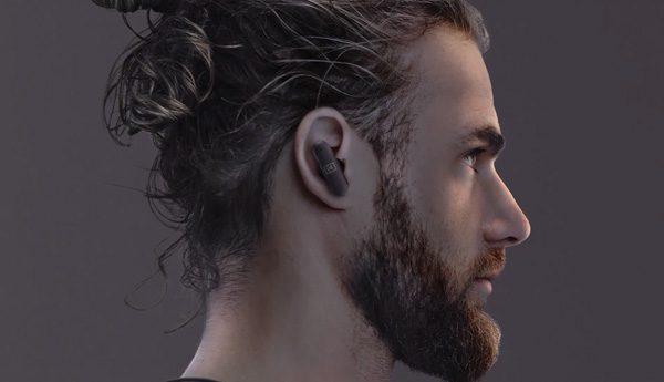 Nieuwe oordopjes vormen zich met lichtgevoelige gel vanzelf naar je oren