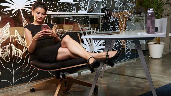 BeYou: de stoel die tien verschillende zitposities ondersteunt
