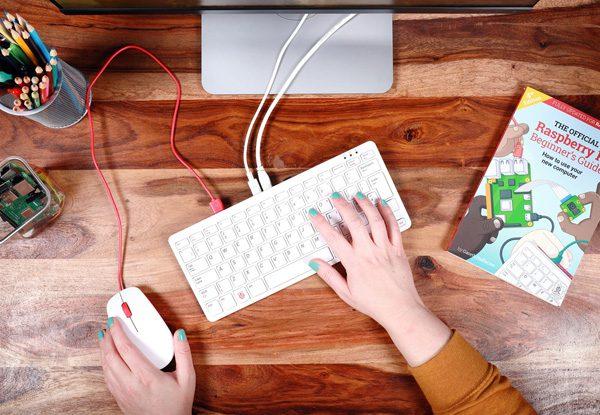 De nieuwe Raspberry Pi is een computer vermomd als toetsenbord