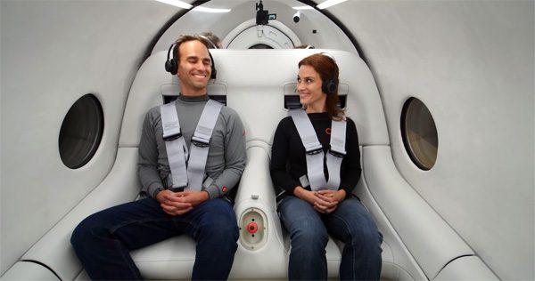 De eerste hyperloop-test met menselijke passagiers is een feit
