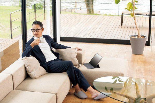Pajamas Suit: thuiswerken in een pyjama met het uiterlijk van een pak