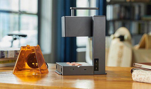 LaserPecker 2 haalt miljoenen op via Kickstarter