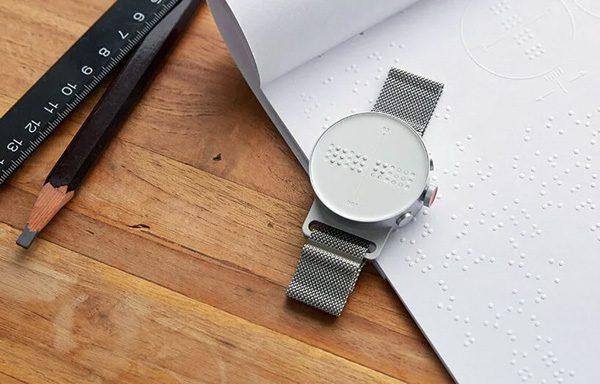 Dot Watch: een horloge dat de tijd aanduidt met braille