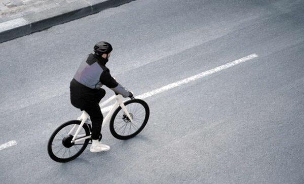 De Cirrus-jas is een airbag voor op de fiets